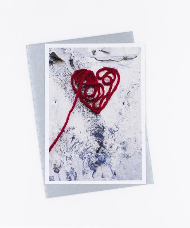 Fotopostkarte Herz am Faden